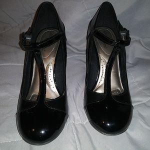 dexflex comfort patent leather t-strap heels 8.5-9